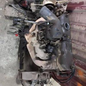 Defender 2.5 benzinli motor