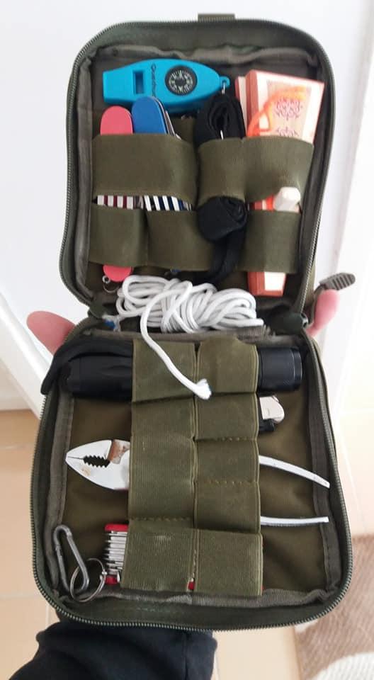Taktikal çantamı satıyorum  İçindekiler  1 müzik aleti  Ağız Kopuzu 35 tl  2 iki...