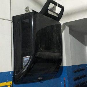 L 200 bagaj üstü kabin gri renk uzun şase siyah olan kısa şase