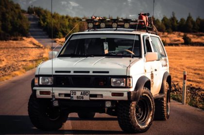 Nissan parhfider 1989 2.4 tek kapı amerikan kasa özel plaka