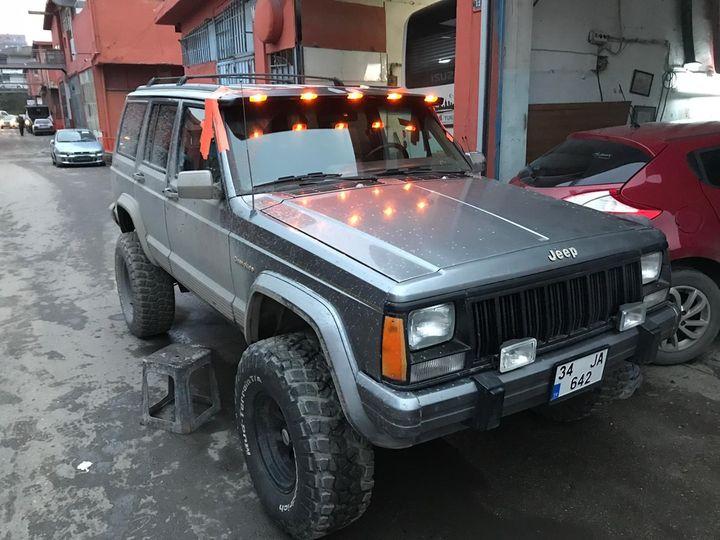 Jeep Cherokee XJ Moonvisor ve diğer off road aksesuar ekipmanları tüm kredi kart
