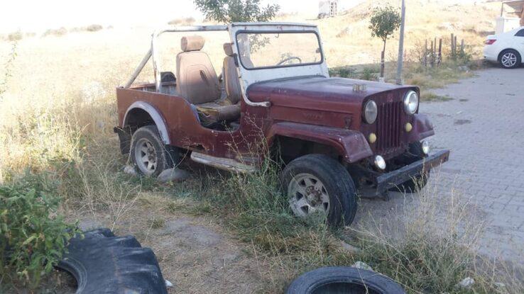 1954 model vllıys  Jeep Çekme belgeli verilecek motor aksamında  sıkıntı yok ben