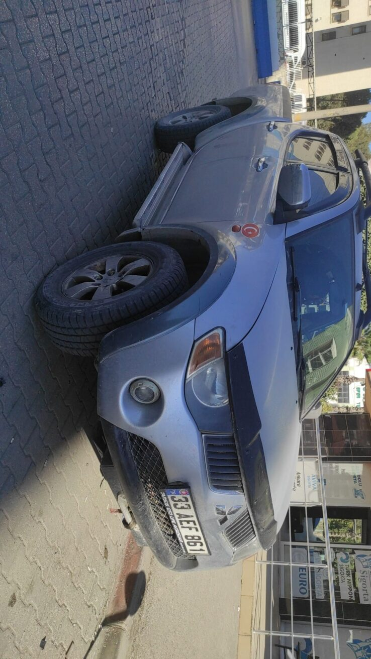 2007 model Bakımlı Mitsubishi 4*4 L200 intense orijinal 290 bin km de